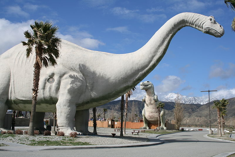 E:\Work files\1. Daffny Projects\October 18 batch 2\800px-Cabazon-Dinosaurs-2.jpg